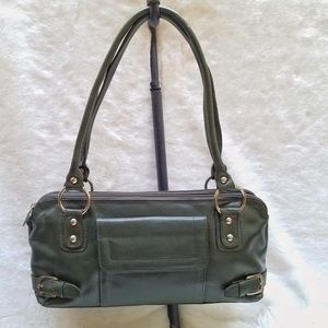 The Leather Point Pebble Leather Baguette Green